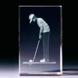 Glasblock - Golfer beim Putten